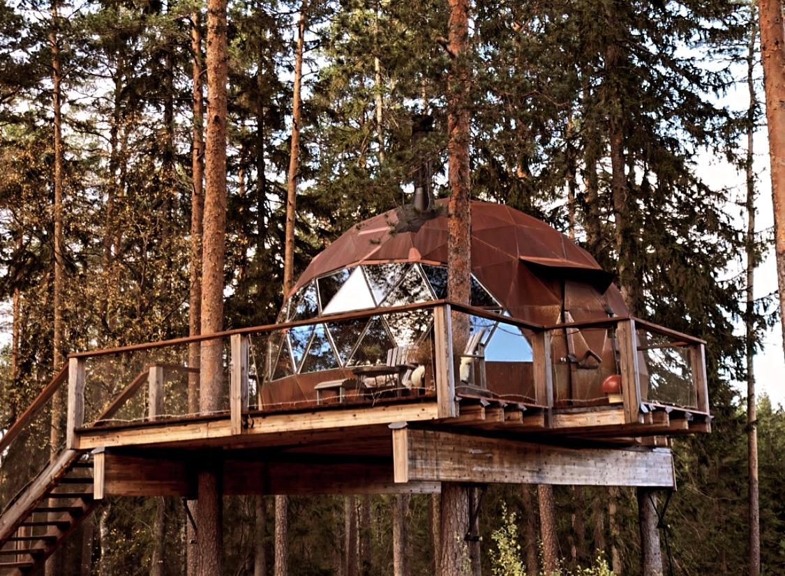 Spennende arkitektur i en tretopphytte