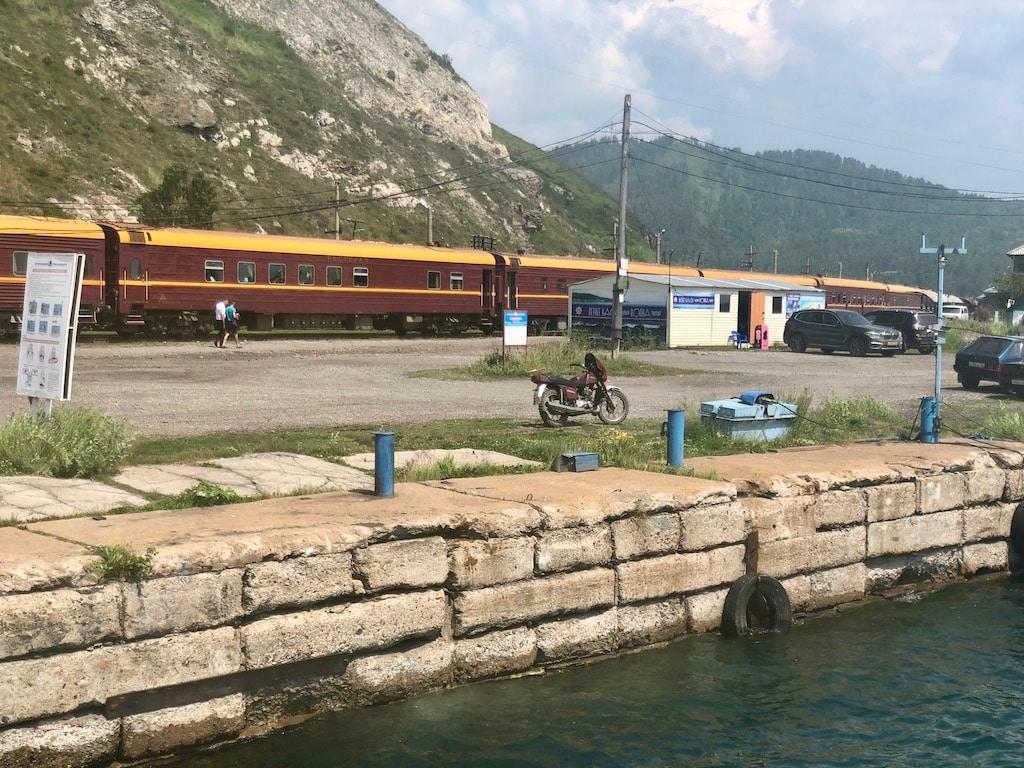 Lake Baikal, Circum-Baikal Railway