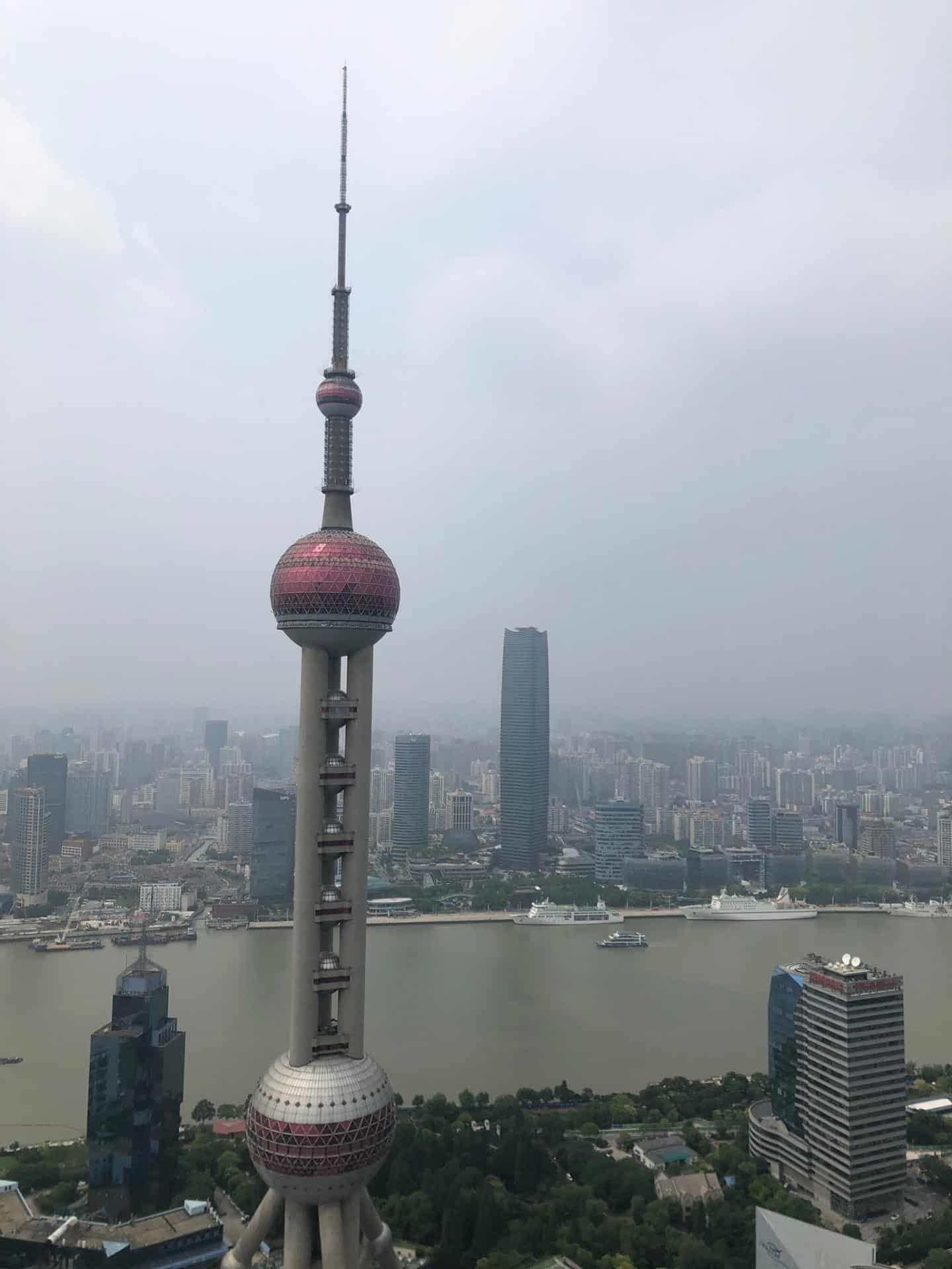 Pearl Towerfrom The Ritz-Carlton Shanghai, 5-stjernes hotell