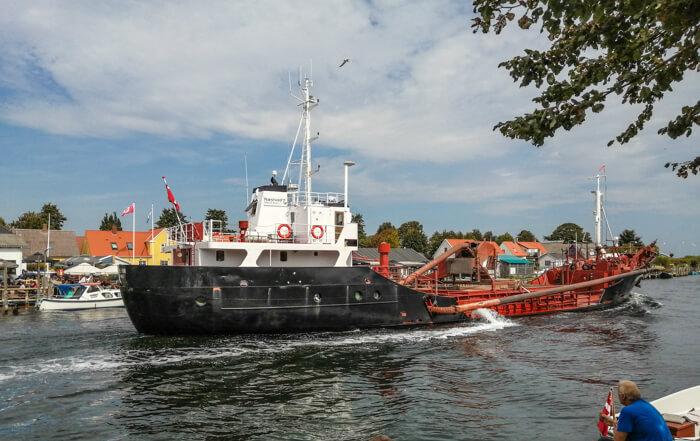 enoe-skib-straedet