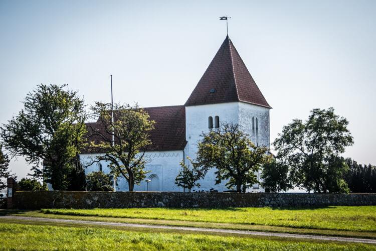 fejoe-kirke