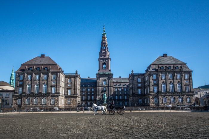 christiansborg-slot-taarn