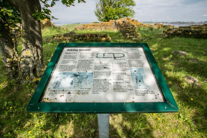 eskilsoe-klosterruin-information