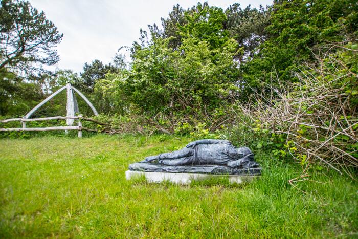 enehoeje-hvalkaeber-skulptur