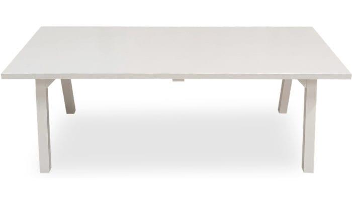 Rektangulärt bord med raka ben, vit färg, 220x100 cm.