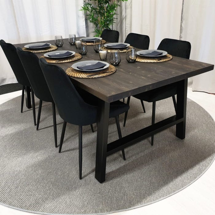 Rektangulärt matbord med stålben Alex, bets i tjära, 200x100 cm.