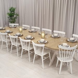 Ovalt bord betsat i järnvitriol, 2 iläggsskivor