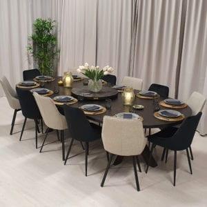 Matbord med iläggsskivor från Rustikunik Design.