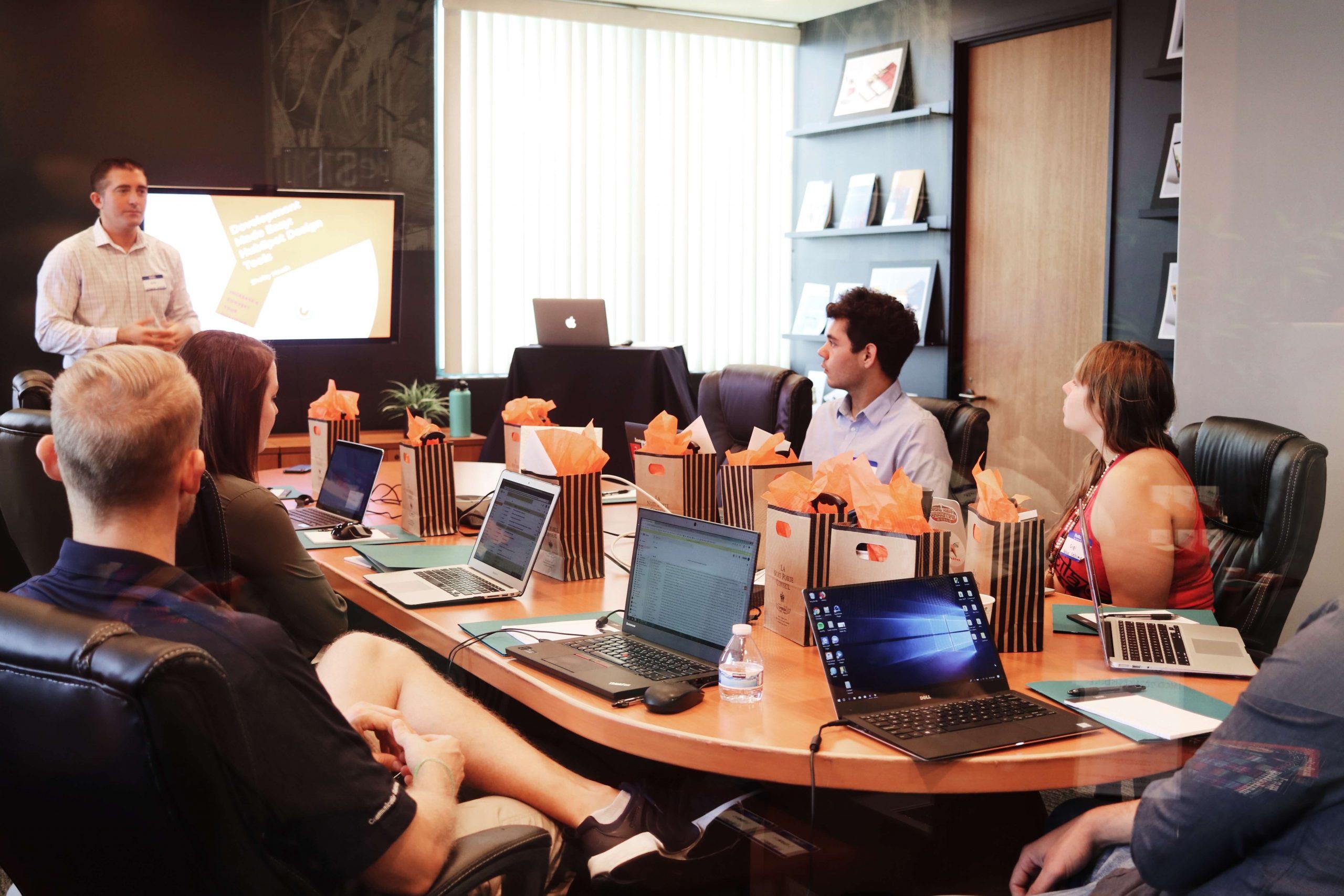 inefficient-meetings-startup