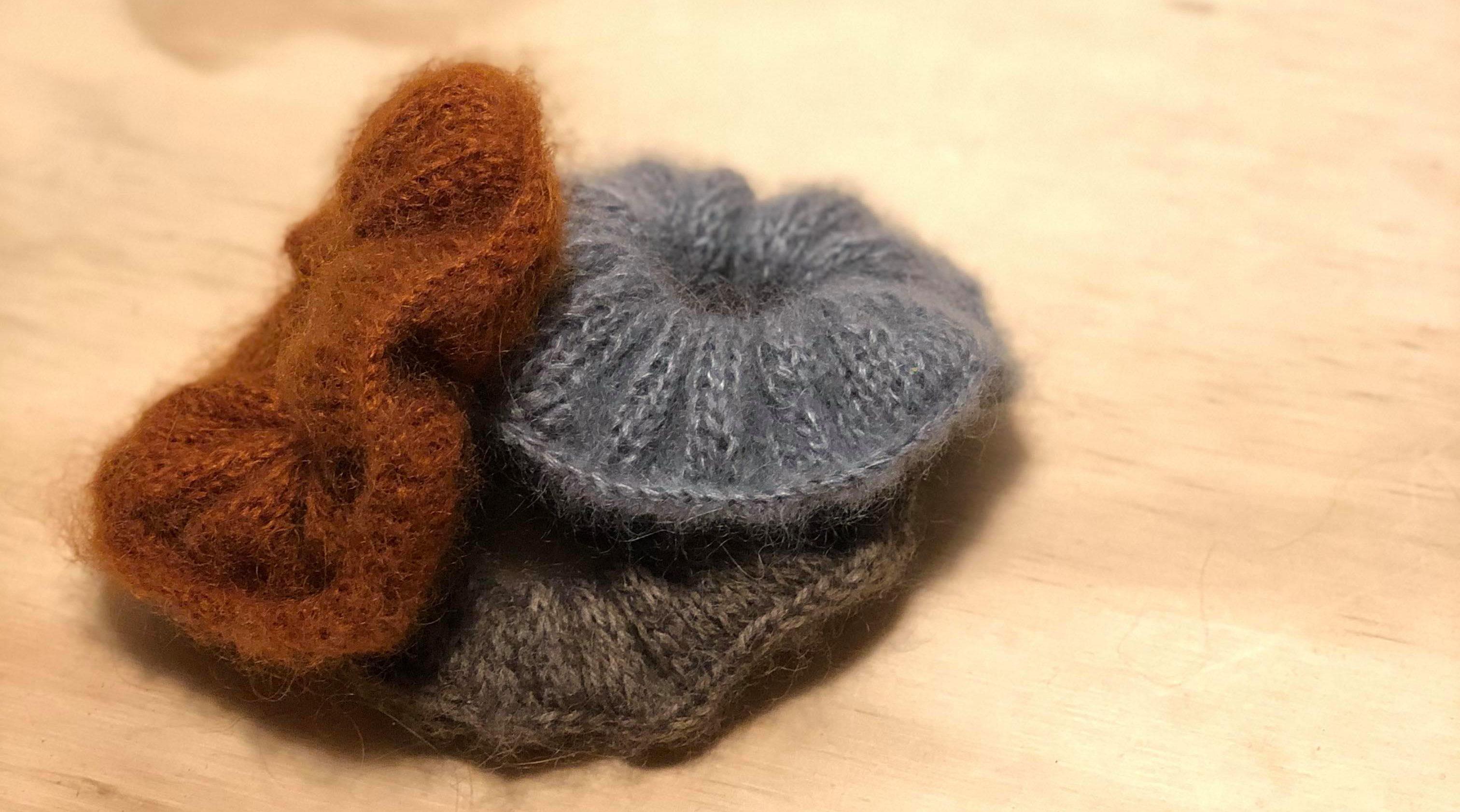 strikket scruncie