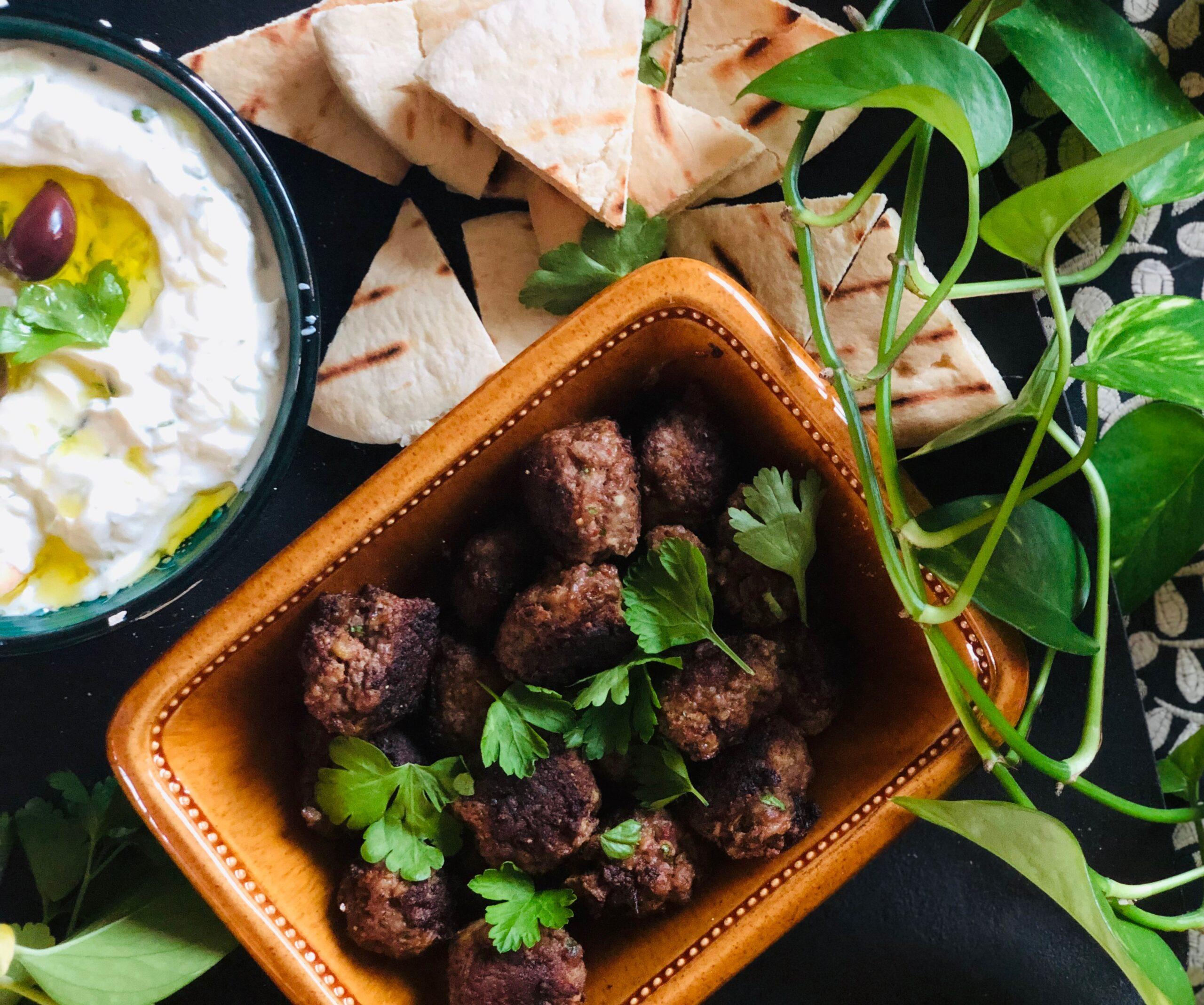 Saftige greske kjøttboller