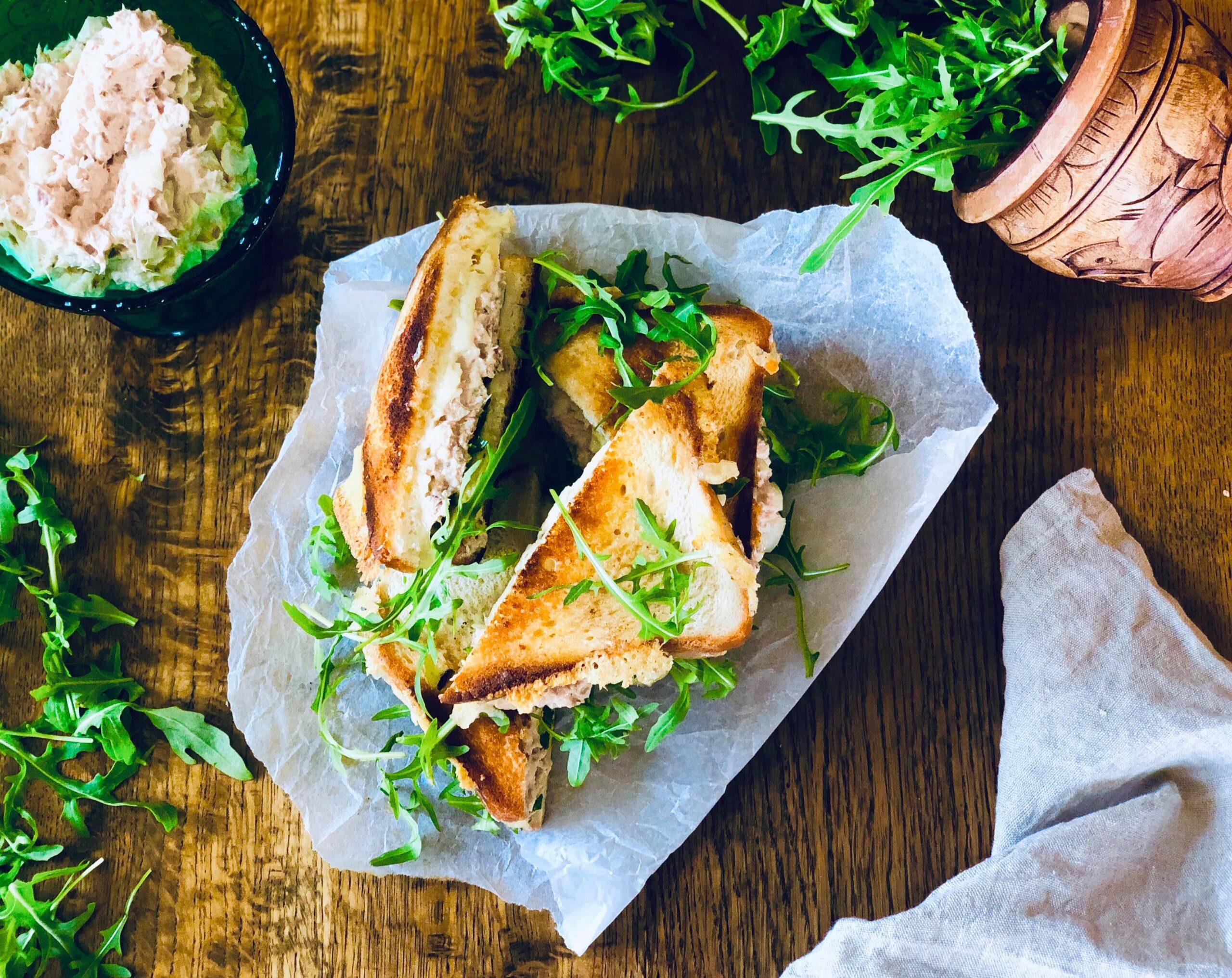 Tuna melt-sandwich