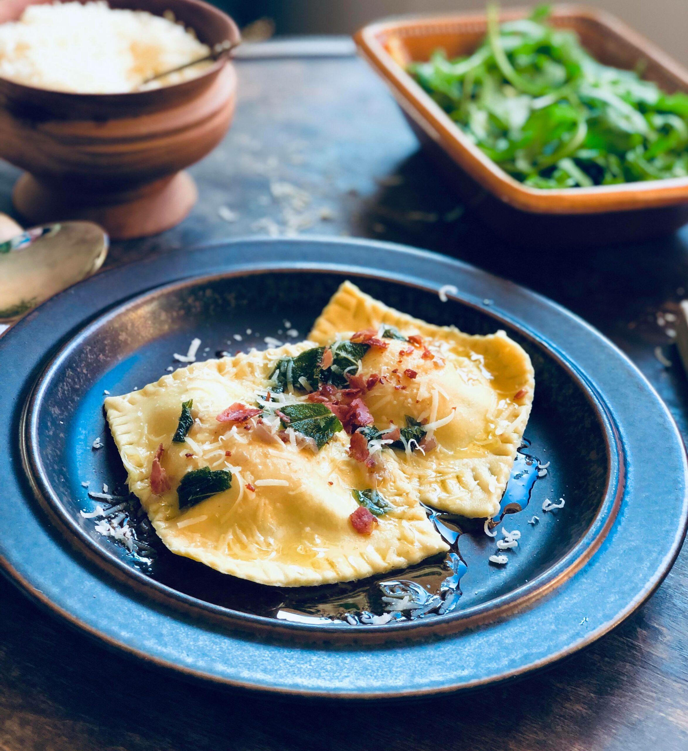 Ravioli med ricotta-fyll og eggeplomme