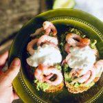 Toppa toast med reker og avokado