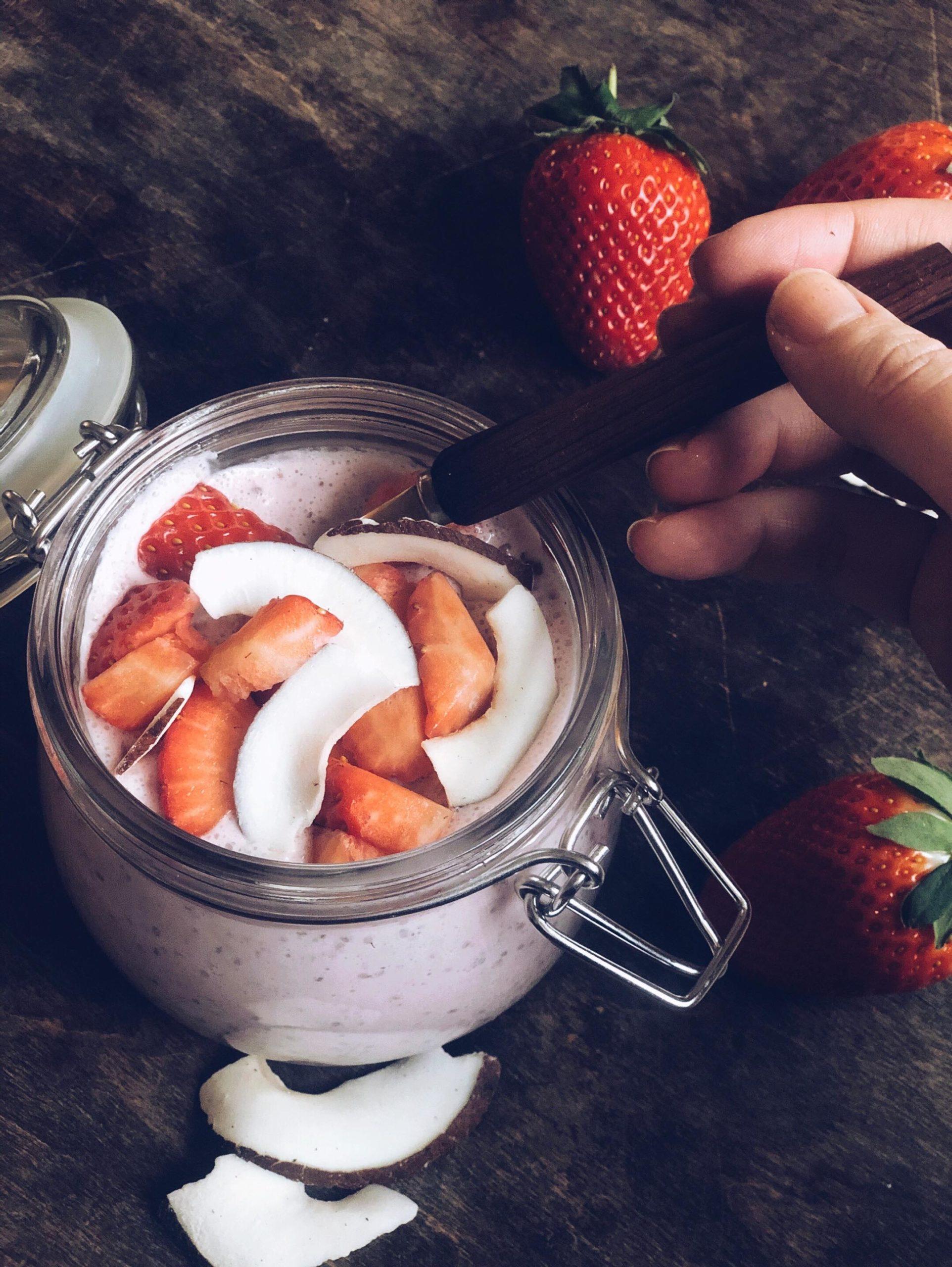 Chiagrøt med jordbær