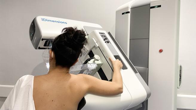 El SES cita a 8.500 extremeñas en febrero para realizarse mamografías con el programa de prevención del cáncer de mama