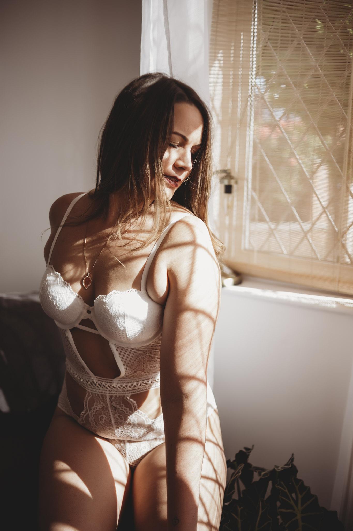 sarah-rachel-boudoir-photography-luxury-boudoir-leicester