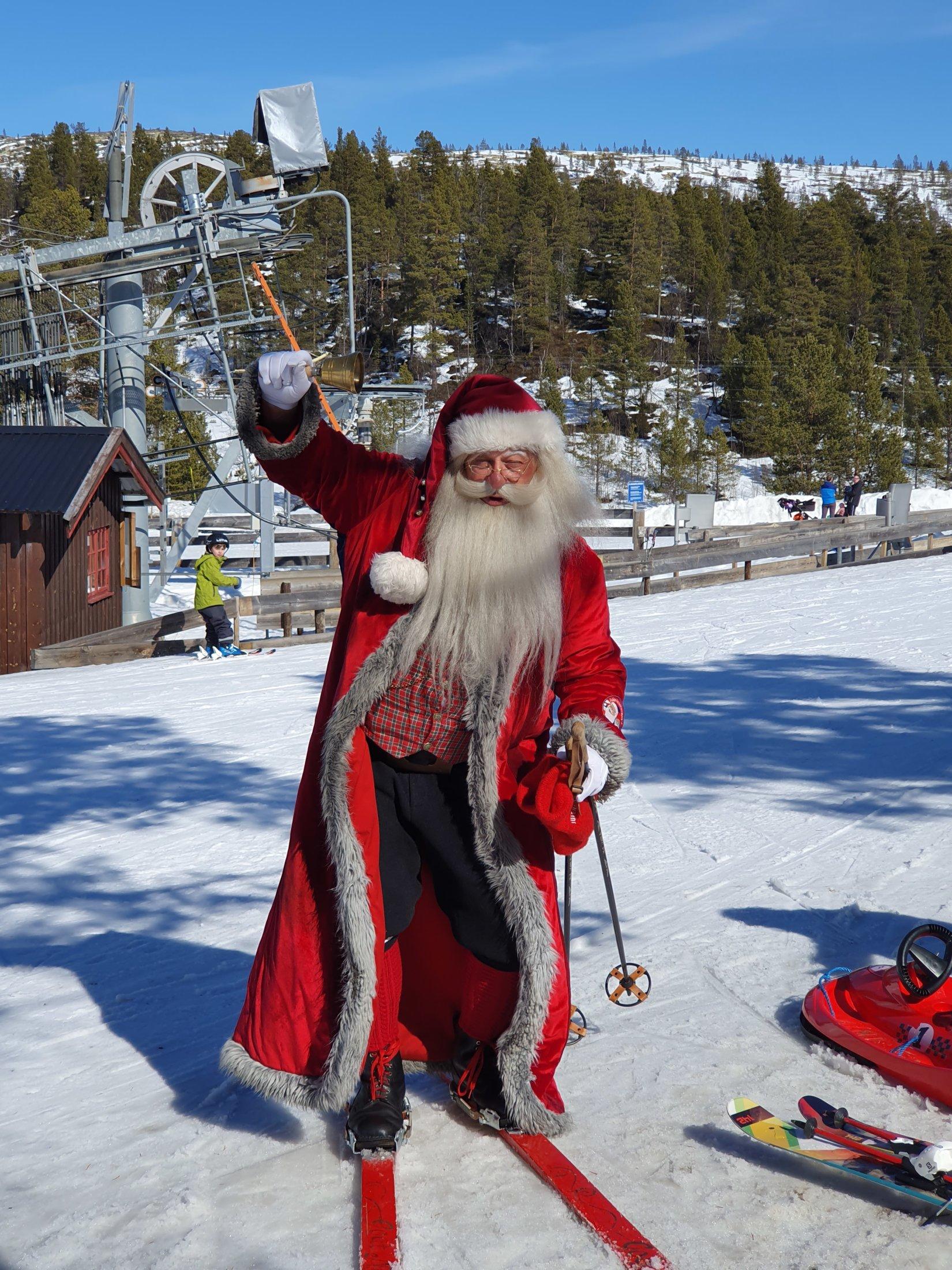 Julenissen på ski