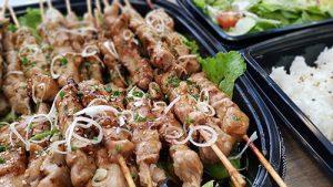 Catering av Yakitori, ris och sallad