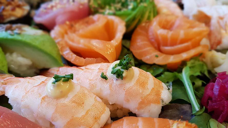 Catering sushi sashimi