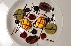 Mochiglass med bär Mochiglass med bär icecream with berries