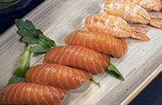 Sushi lax räkor
