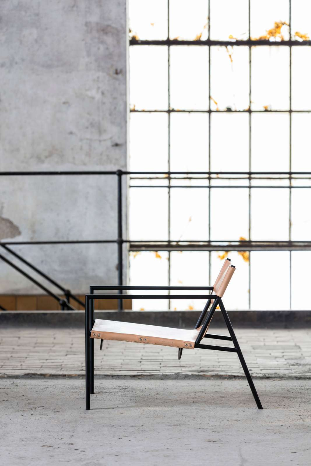Tension Lounge Chair_06-1600px