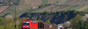 Nord-Süd-Strecke - Baureihe 187 DB Cargo mit Güterzug auf dem  Weg nach Nürnberg bei Himmelstadt