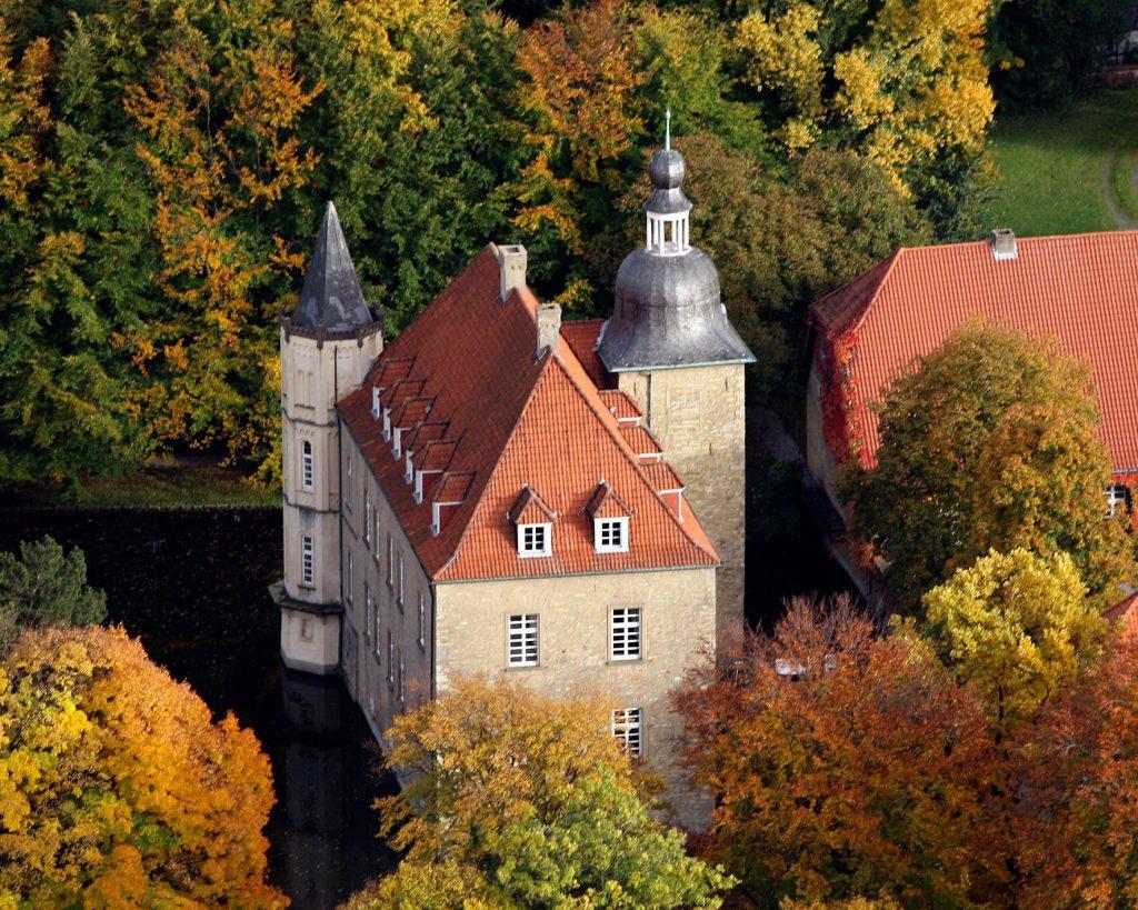 Schloss-Heeren-Hochzeit-Kamen-Dortmund-Herbst-3-Trauung-Dortmund-1