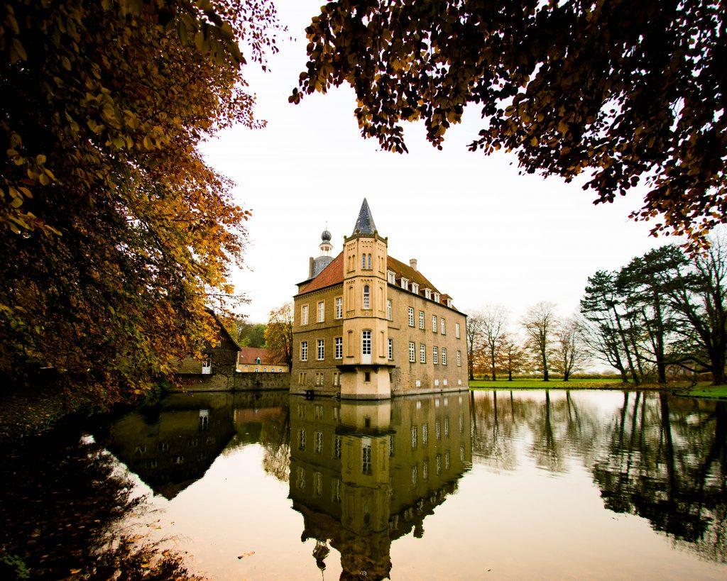 Schloss Heeren-Hochzeit Kamen-Dortmund- Herbst 7-Trauung Dortmund