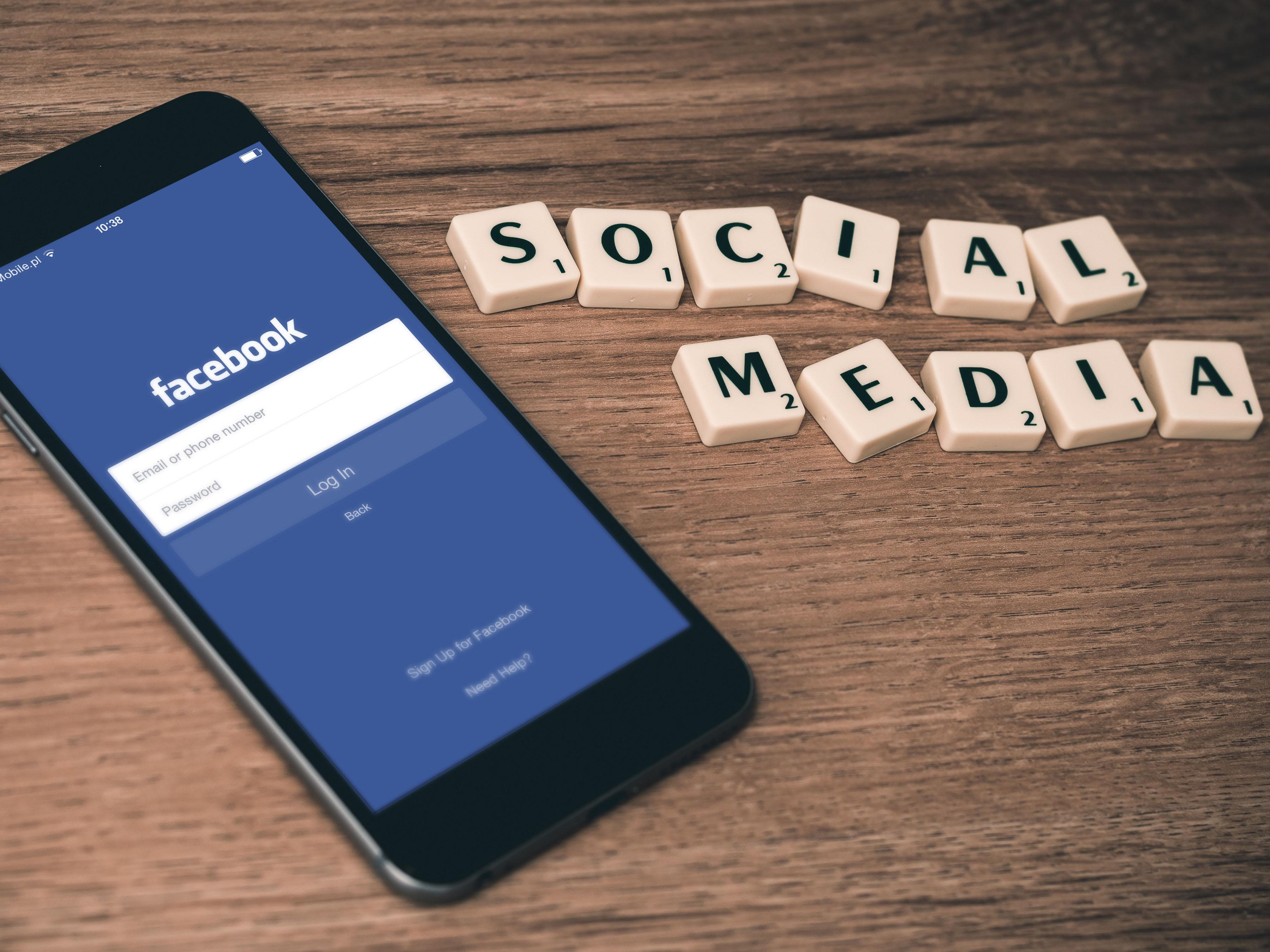Sociale medier, Facebook