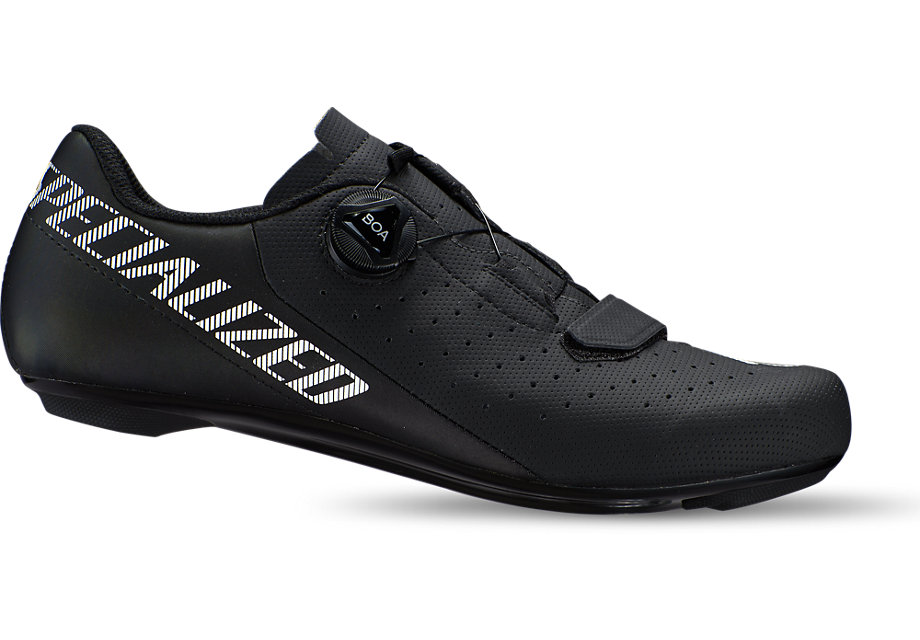 Take the performance and Body Geometry ergonomics of our high-end road shoes, put them in an affordable design, and you basically have the Torch 1.0 Road shoes. They have Velcro® closures for a customizable, adjustable fit, a comfortable design, and a composite outsole that provides just the right level of rigidity.