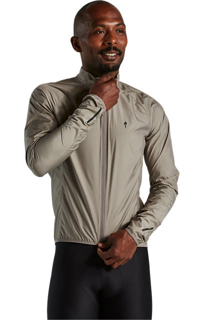 mens-race-series-wind-jacket-taupe-start