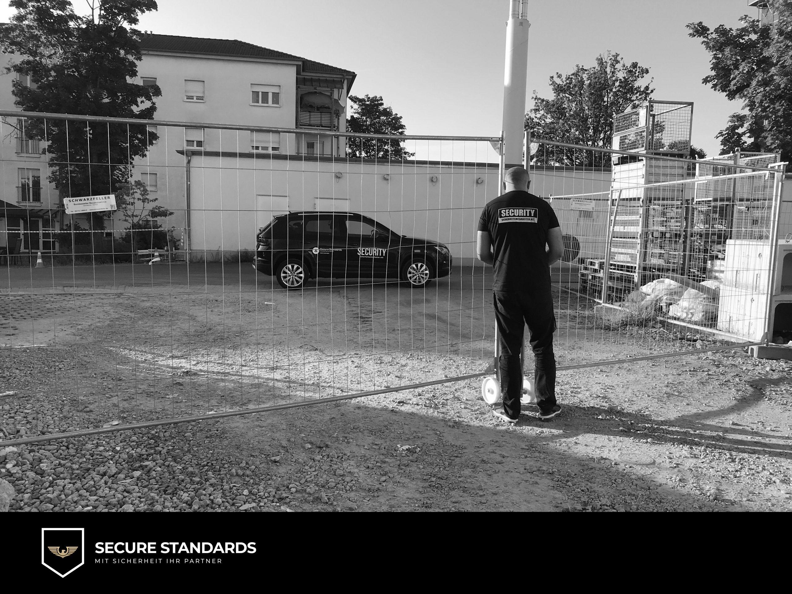 Revierfahrer während einer Revierkontrolle in Langen bei Frankfurt