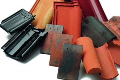 Stock de tuiles pour réparations de toitures