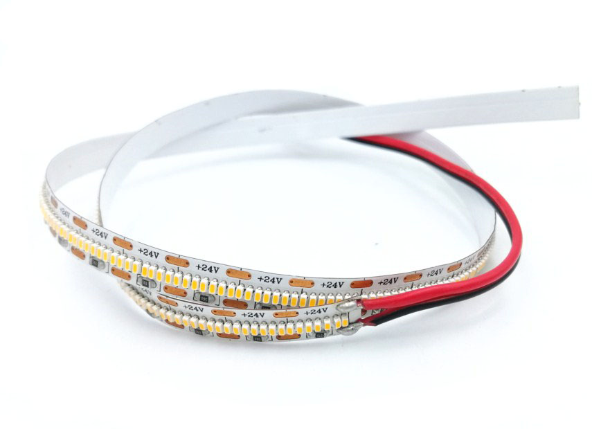 Senska Flex Strip 24W / 700 LED par mètre Image