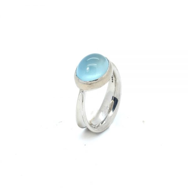 Ribbon Seaweed Ring by Serena Fox Jewellery 18 carat white gold ring with aquamarine cabochon