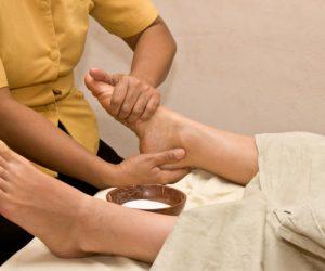 foot-massage-spa_163782-26