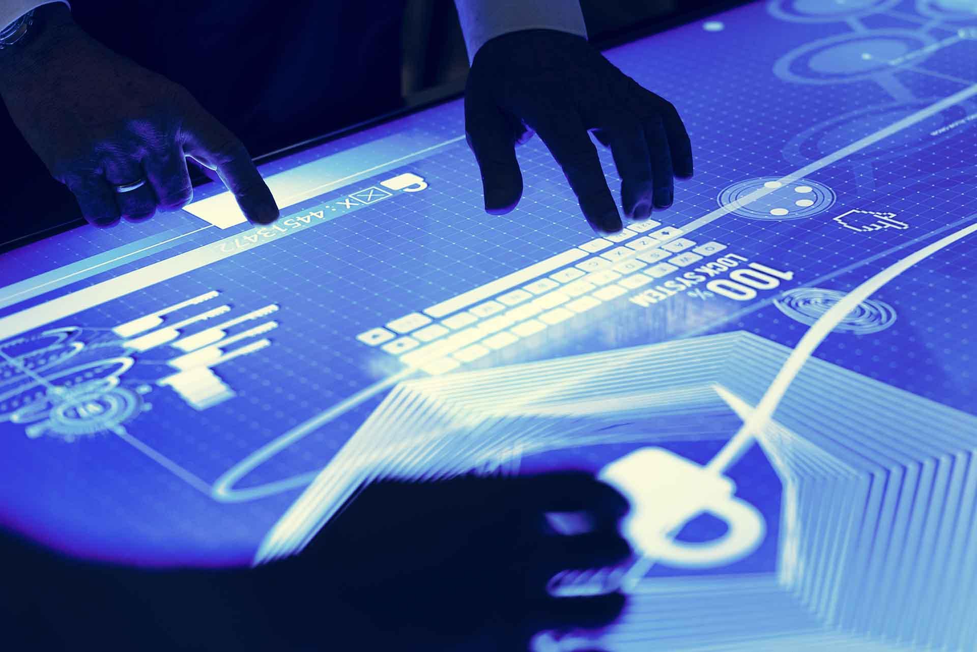 Multimedia Tische