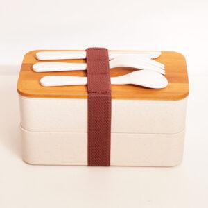 """lunchlåda """"dubbel"""" med bambulock & gravyr, personlig present"""