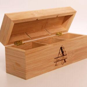 personlig present / telåda , trälåda för tepåsar med personlig gravyr