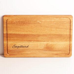 skärbräda ek med saftränna 40x25cm med gravyr, personlig present