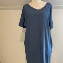 Fabiana Filippi blauwe jurk, vooraanzicht van dit prachtige Simone Hessing Vintage item