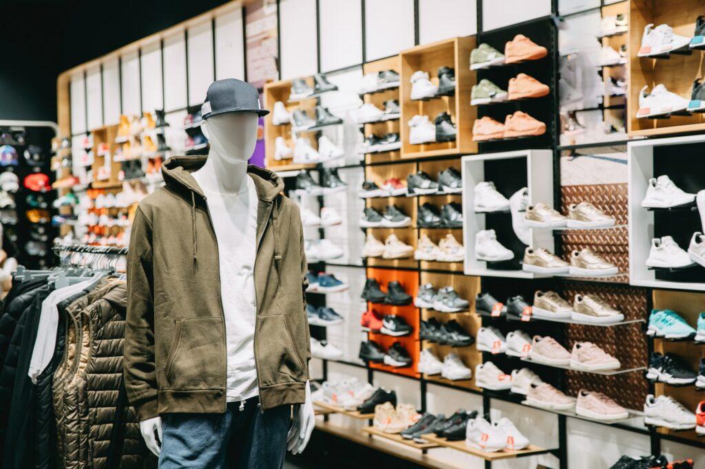 Tømrer København dit tømrerfirma København til opsætning af butiksinventar i Kbh