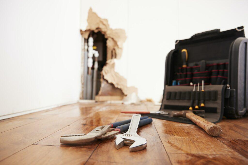 Reparation af vandskade inkl. autoriseret elektriker og leje af affugter