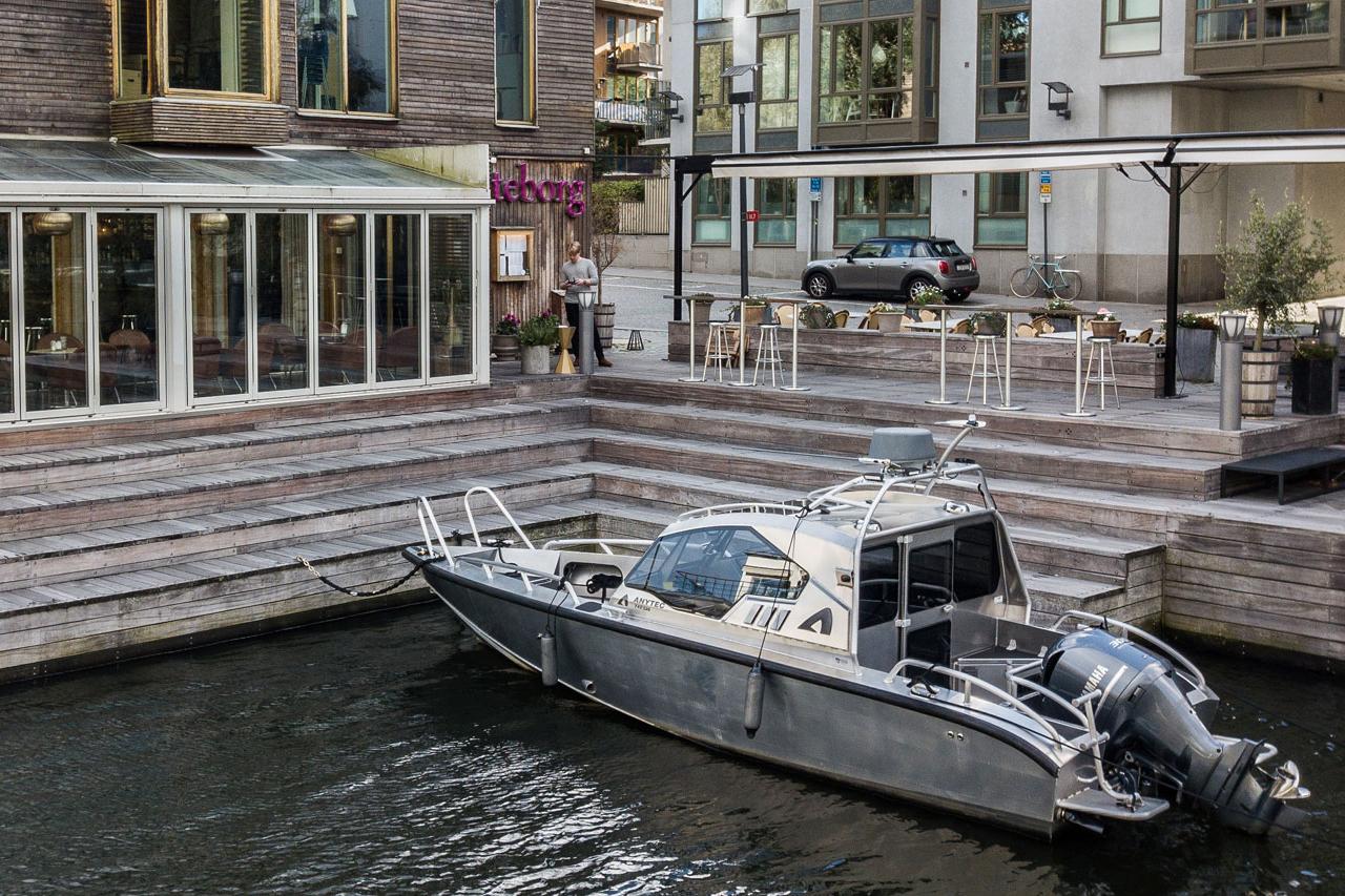 Båt vid restaurang Göteborg
