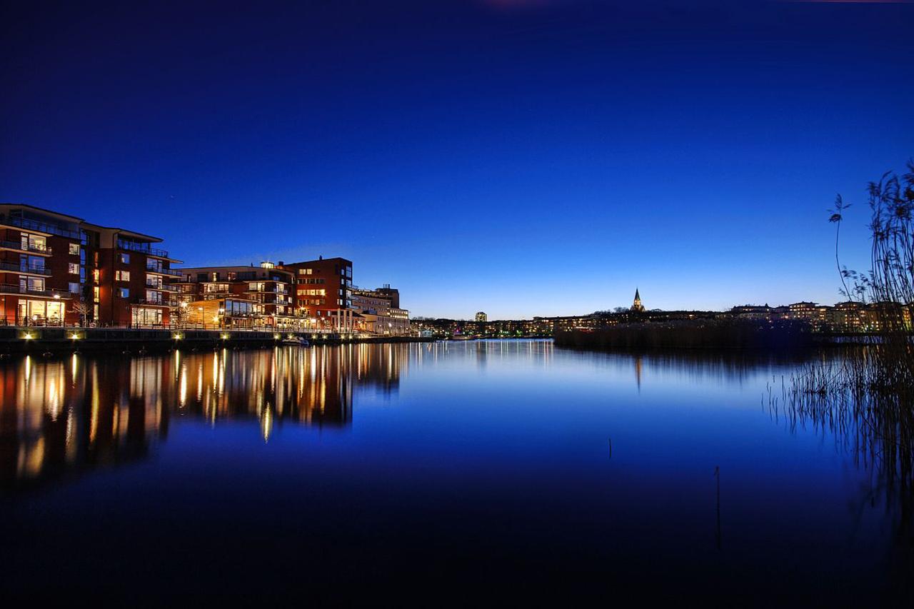 Hammarby sjö natt i Hammarby Sjöstad