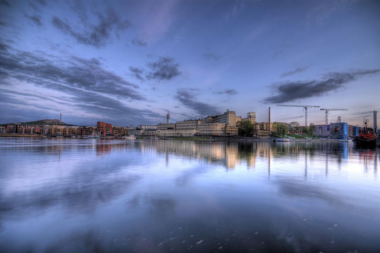 Hammarby sjö spegelblank