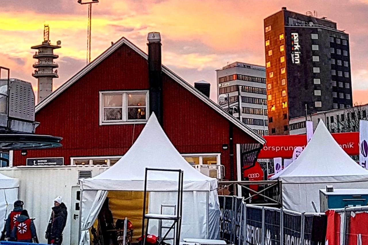 Hammarbybacken i Hammarby Sjöstad, Park Inn