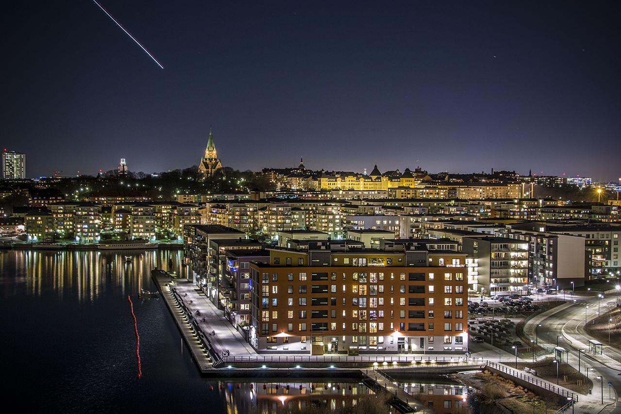 Henriksdalshamnen kvällsbild